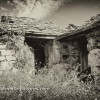 http://www.dalmatia-pictures.com/wp-content/uploads/2012/02/001_Loznice_old_stone_house.jpg